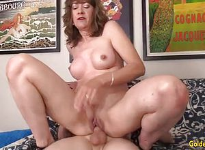 blowjobs,brunette,cowgirl,doggy style,granny,hardcore,matures,babes