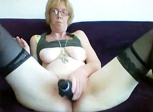 straight,redhead,grannies,toys,solo,masturbation,stockings,fetish