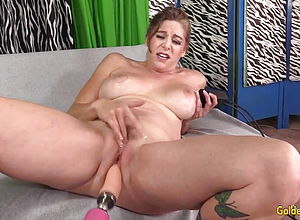 Fuck a thon toy,hairy,mature,granny,hd videos,orgasm,fucking Machine,girl draining