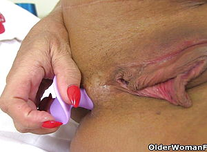 Mature,milf,british,hd videos,cougar