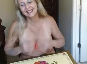 Straight,solo,grannies,blonde,masturbation
