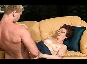 Brunette,cumshot,doggystyle,granny