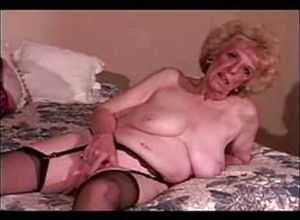 Granny,matures,sexy,striptease