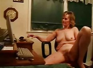 Straight,webcam,grannies,strip,masturbation,solo